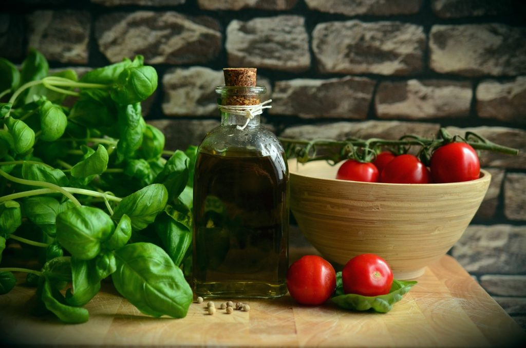 olive oil and tomatoes